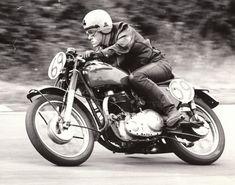 http://ideas.etublogs.usj.edu.lb/files/2013/05/discovery-hd-theater-cafe-racer-caferacer-tv-vintage-motorcycles-ace-cafe-london-rockers-59cl...