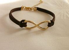 Braunes °°Infinity Armband °°  von Villa Kunterbunt Schmuckdesign auf DaWanda.com Etsy, Bracelets, Leather, Jewelry, Jewellery Designs, Get Tan, Wristlets, Bangles, Jewellery Making