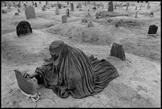 View Afghanistan, 1996 by James Nachtwey on artnet. Browse more artworks James Nachtwey from FaheyKlein Gallery. James Nachtwey, War Photography, Photography Workshops, Documentary Photography, Social Photography, Henri Cartier Bresson, Artwork Images, Famous Photographers, Jolie Photo