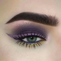 Sombra morada y delineado lila