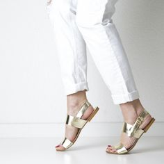 Onyva.ch / La Garconne Shoes #onyva #onlineshop #shoes #sandals #shoedesign #elegant #chic #switzerland #lagarconneshoes #party #summer #summershoes #summersandals #fashion #comfortable Flat Shoes, Shoes Sandals, Party Summer, Elegant Chic, Summer Shoes, Switzerland, Designer Shoes, Fashion, Sandals