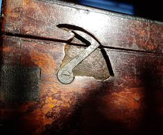 Locking hinge