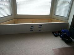 Bay Window Flip Top Storage Bench.