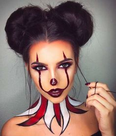 Make up da pagliaccio 'It' per Halloween - Trucco sexy stile It, . - Make up da pagliaccio 'It' per Halloween – Trucco sexy stile It, - Maquillage Halloween Clown, Halloween Makeup Clown, Halloween Inspo, Halloween Makeup Looks, Halloween Kostüm, Halloween Tutorial, Cute Clown Makeup, Scary Makeup, Womens Clown Makeup