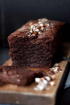 The best chocolate cake in the world - Kuchen Rezepte Ultimate Chocolate Cake, Chocolate Cake Recipe Easy, Chocolate Desserts, Cake Chocolate, Cinnamon Desserts, Death By Chocolate, Easy Cake Recipes, Sweet Recipes, Baking Recipes