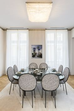 Contemporary Dining Room in Paris, by Gérard Faivre