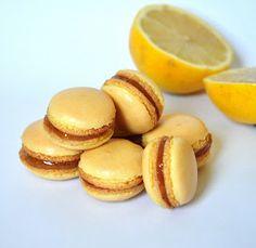 Dortíkovna: makronky Macarons, Hamburger, Sweet Tooth, Bread, Food, Macaroons, Breads, Baking, Hamburgers