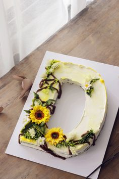 letter cake with bean paste flower, 2018 new trends