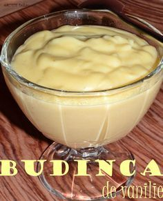 Budinca de vanilie - RETETE DUKAN Easter Pie, Low Carb Deserts, Tasty, Yummy Food, Dukan Diet, Nutrition, I Foods, Pudding, Cooking