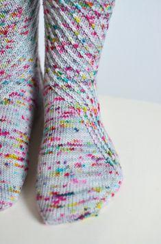 Woollen Wilderness | Patterns for knitting speck-tacular socks! | http://woollenwilderness.com