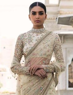 Latest Saree Blouse Designs From 2018 sure to Amaze You'. In Pic: Gold Sequin And Sparkle Blouse For Party Wear Net Sarees. Indian Saree Fashion @ via Full Sleeves Blouse Designs, Netted Blouse Designs, Saree Jacket Designs Latest, Net Saree Designs, Indian Blouse Designs, Lengha Blouse Designs, Choli Designs, Blouse Patterns, Net Saree Blouse