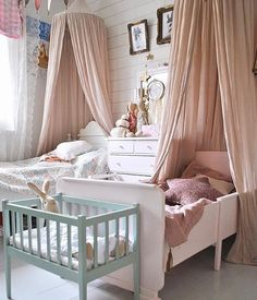 A beautiful shared room to end the week by @evelinahinds So much loveliness in just one room