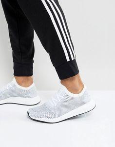 low priced b60e1 62108 adidas Originals Swift Run Primeknit Sneakers In White CG4126. ZapatillasNike  SbLacosteReebokZapatillas De Deporte MasculinasApodidaeJordanEntrenadores