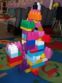 Build castles using 100 blocks.