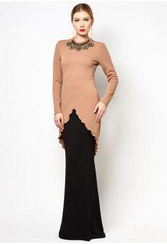New Baju Kurung : Buy Rizalman for Zalora Nona Baju Kurung Muslim Fashion, Hijab Fashion, Fashion Dresses, Model Kebaya, Suit Fashion, Womens Fashion, Uniform Dress, Mode Hijab, Green Lace