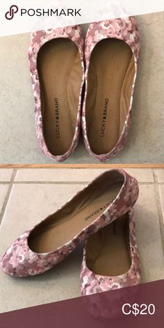 Lucky Brand floral flats 🍀 Floral flats only worn a handful of times. Loafer Flats, Loafers, Floral Flats, Lucky Brand Shoes, Plus Fashion, Fashion Tips, Fashion Trends, Times, Best Deals