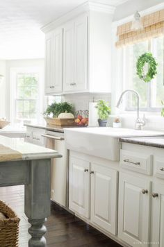 Light & Bright Farmhouse Kitchen- Modern Farmhouse Home Tour | Nina Hendrick…
