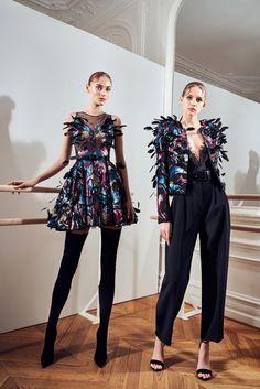 Fashion 2020, Fashion News, Fashion Models, Women's Fashion, Cute Fashion, Fashion Outfits, Crop Top Outfits, Embroidery Fashion, Fashion Show Collection