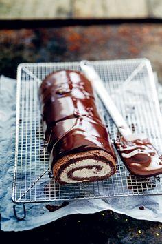 Gâteau Roulé Glaçage au Chocolat Noir, Chantilly au Mascarpone