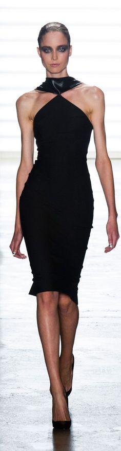 Cushnie et Ochs Spring Summer 2014 at New York Fashion Week simple/edgy meet. Ny Fashion Week, Runway Fashion, Fashion Show, Womens Fashion, Lil Black Dress, High Fashion Dresses, Vogue, Estilo Fashion, Couture Dresses
