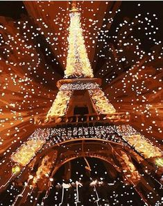 New Year's in Paris No Im not going there sadly. But instead to New Paris. Yes, the old Paris is always a good idea. New Paris in March, not so much. Oh The Places You'll Go, Places To Travel, Places To Visit, Travel Things, Travel Stuff, Travel Destinations, Dream Vacations, Vacation Spots, Paris New Years Eve