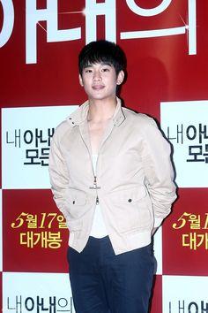 [May 10th 2012] Kim Soo Hyun at Im Soo Jung's Movie Premiere #1 #KimSooHyun #SooHyun