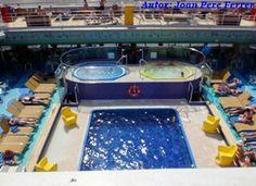 Una de las piscinas en el Costa Fortuna #cruceroconniños http://www.pacoyverotravels.com/2014/03/crucero-con-ninos-oriente-medio-costa-cruceros.html