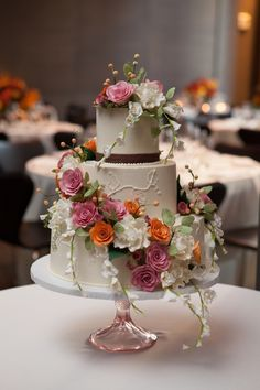 A beautiful wedding cake by Sugar Flower Cake Shop in Manhattan, NY (https://www.voncierge.com/vendors/show/sugar-flower-cake-shop) Voncierge is your ultimate wedding planning website. Find all your wedding vendors and book free consultations!