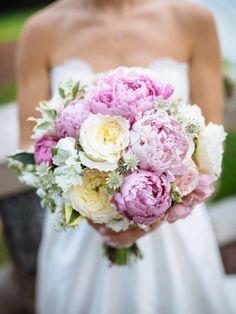 Die Pfingstrose ist die ideale Blume für den Vintage-Brautstrauß - www.tollwasblumenmachen.de