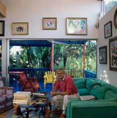 his home reflects his art . a little Matisse -ish David Hockney Paintings, Art Studio Design, Pop Art Movement, Malibu Homes, Prep Style, House Landscape, Foto Art, Art Studios, Contemporary Artists