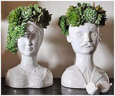 Como eu adoro design bem humorado!! Estes vasos de plantas eu já ando de olho há um tempão porque acho incrível o efeito variável de acordo...