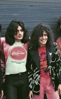 Mickey Finn and Marc Bolan, 70s Rock And Roll, Rock And Roll Fashion, Rock Fashion, Marc Bolan, Outdoor Fotografie, Electric Warrior, New Wave, Drag, Rock Style