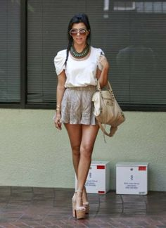 Cute outfit (I would need a lil longer skirt....way to short for my liking) and stunning accessories.