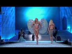 When fashion meets Music    Maroon 5 - Moves Like Jagger (Live at The Victoria Secrets Fashion Show 2011)