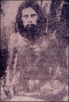 Very Old, Rare Photo Of Sai Baba Of Shirdi. - An Indian guru, yogi, and fakir who is regarded by his Hindu and Muslim devotees as a saint. Sai Baba Pictures, Sai Baba Photos, God Pictures, Rare Pictures, Rare Photos, Old Photos, Indian Saints, Saints Of India, Sai Baba Hd Wallpaper