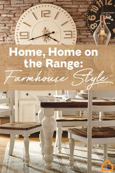 Whether you live in a country cottage, suburban neighborhood or city loft, there are so many ways to cultivate farmhouse-inspired interiors. Farmhouse Interior, Farmhouse Homes, Farmhouse Chic, Kitchen Dining Combo, Kitchen Ideas, Home On The Range, My Dream Home, Furniture Design, Interior Decorating