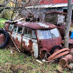 Vw Caravan, Vw Camper, Campers, T3 Vw, Volkswagen Bus, Abandoned Cars, Abandoned Places, Abandoned Vehicles, Mk1