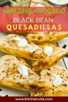 Avocado Black Beans Quesadillas Recipe, The best cheesy Avocado Black bean quesadillas is a healthy vegan recipe. it is a healthy vegetarian dish that your family will love. healthy quesadilla/ veggie quesadilla/ vegetarian quesadilla Yummy Quesadillas, Vegetarian Quesadilla, Vegetarian Dish, Quesadilla Recipes, Mexican Food Recipes, Vegan Recipes, Ethnic Recipes, Mashed Avocado, Salad Recipes For Dinner