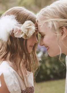 Lovely mother daughter photo idea