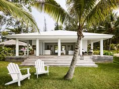 spectacular interiors in this tropical paradise