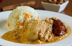 Prepara en casa este sencillo pollo en mole de almendras, tradicional de la cocina oaxaqueña