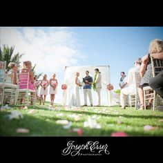 Outdoor weddings are my fav #hawaiibridalexpo #josephesser @BridesClub