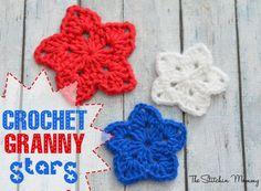 Crochet Granny Stars www.thestitchinmommy.com
