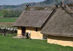 Viking house replica at Fyrkat Hobro
