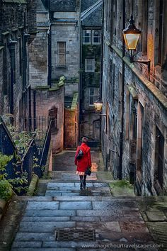 Stairways in Edinburgh, Scotland _ Lépcsők a skóciai Edinburghban_photo by wil Places Around The World, Oh The Places You'll Go, Places To Travel, Places To Visit, Around The Worlds, Famous Castles, England And Scotland, Scotland Uk, Scotland Castles