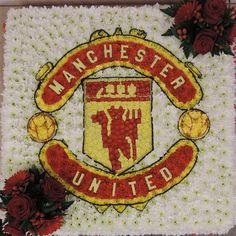 Manchester United Funeral tribute A picture board of your favorite team, approx x Funeral Flower Arrangements, Funeral Flowers, Casket Sprays, Funeral Tributes, Picture Boards, Sympathy Flowers, Local Florist, Flowers Online, Flower Basket