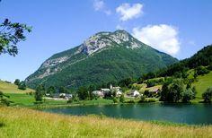 Savoie : Le Lac de la Thuile (© Uolir - Fotolia)