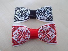 pánsky vyšívaný motýlik na bielej paname, možnosť objednať v rôznej farbe, obvod sa dá nastaviť, rozmer cca 12 x 6 cm, ak máte záujem píšte prosím do správy...... Ethnic Bag, Crotchet, Beaded Embroidery, Blackwork, Diy And Crafts, Folk, Cross Stitch, Tie, Beads