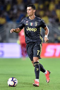 Cristiano Ronaldo of Juventus during the Serie A match between Frosinone and Juventus at Stadio Matusa, Frosinone, Italy on 23 September (Photo by Giuseppe Maffia/NurPhoto via Getty Images) Cristiano Ronaldo Portugal, Cristiano Jr, Cristiano Ronaldo Junior, Cristiano Ronaldo Wallpapers, Cristiano Ronaldo Juventus, Cr7 Ronaldo, Cr7 Juventus, Juventus Soccer, Ronaldo Jersey
