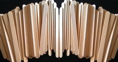 Stik es krim ternyata sangat cocok digunakan untuk membuat kerajinan tangan. Selain harganya murah, bahan ini juga mudah didapatkan di toko-toko buku atau toko souvenir dekat anda, atau bisa juga dibeli di toko yang menjual bahan-bahan kue. Popsicle Stick Crafts For Adults, Popsicle Sticks, Craft Stick Crafts, Diy And Crafts, Ice Cream Stick Craft, Handmade, Hand Made, Ice Cream Sticks, Ice Pops